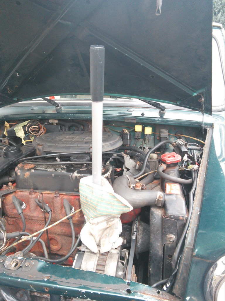 Mini Classic SPI 1995 minifrogs Erbsle Keilriemen spannen mit Hebel Stange und Handschuh Lichtmaschine