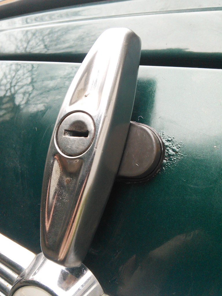 Mini Classic SPI 1995 minifrogs Erbsle Kofferraum Verschluss Griff grau Chrom